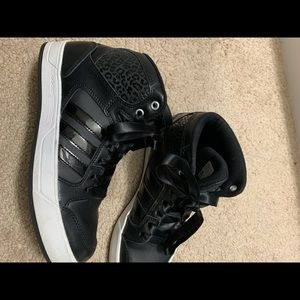 Woman's like new adidas high top sneakers